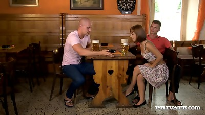 Threesome sex leaves Tina Hot's face covered by gravy