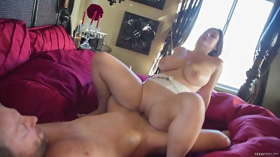 Huge tits superslut with killer curves fucked passionately