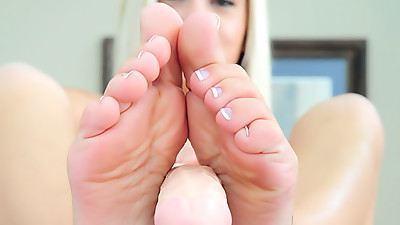 Foot fetish solo girl